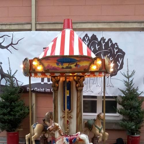 Nostalgie Kinder-Pferdekarussell 3 Sitzplätzen